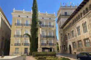Real estate prices in Valencia still holding still